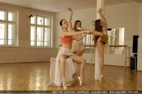 naked femail ballet dancers