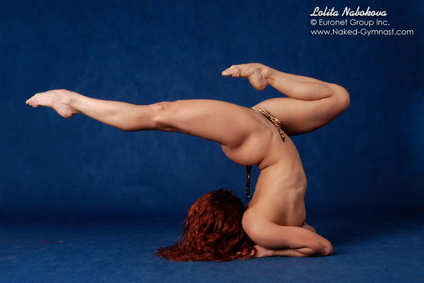 ballet dancers exercising in the nude