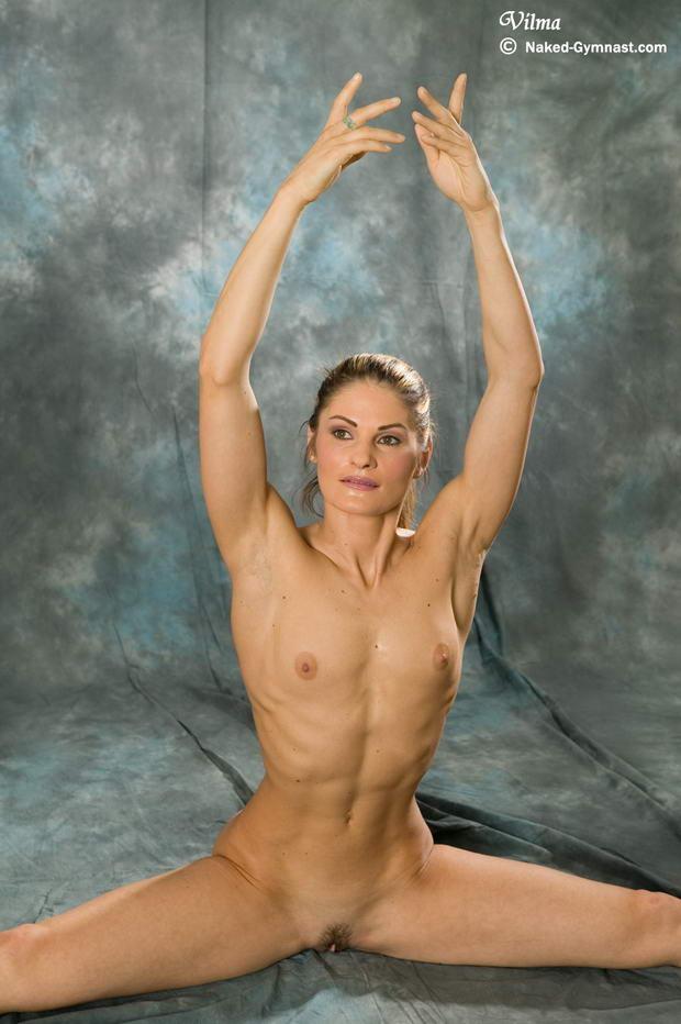 naked girls pussy flexing