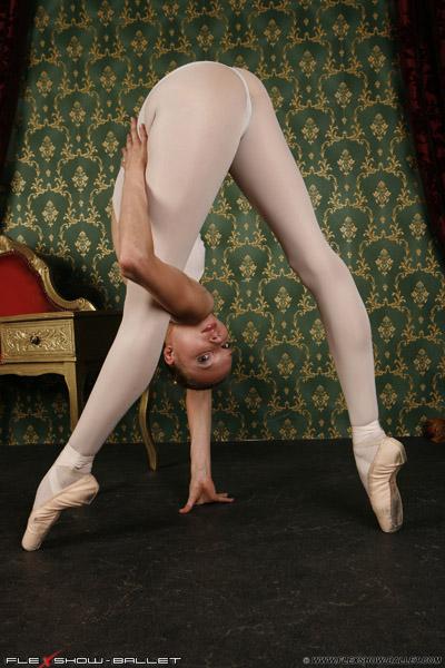 sexy naked ballerina